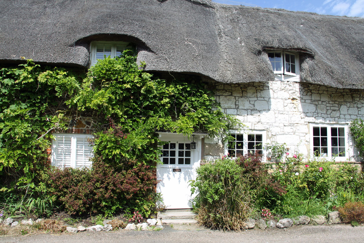 thatched cottage in the village of Calbourne Isle of Wight