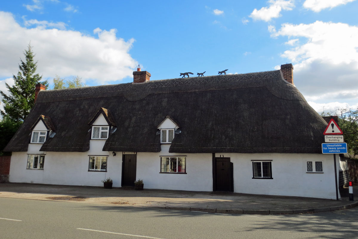 thatched cottage with foxes stoke by clare
